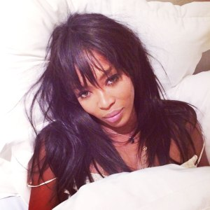 naomi-campbell-in-bed-without-makeup-wakeupcall-challenge